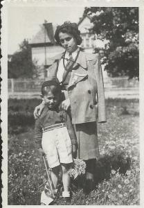 Jiří Brabec jako dítě se svojí matkou Jiřinou Brabcovou