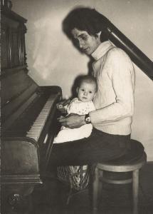 To jsem já s tatínkem v roce 1970